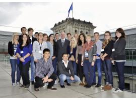 EW Besuch Preisträger im Bundestag