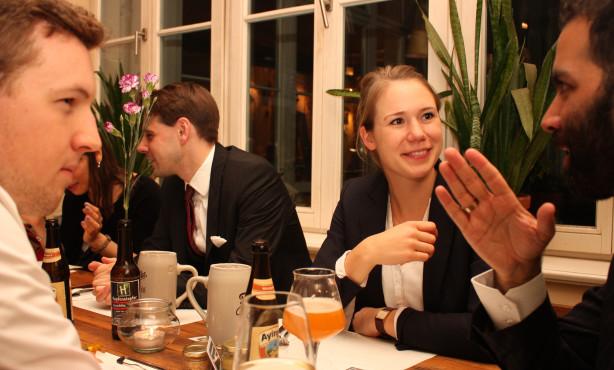 College of Europe | Alumni-Stammtisch als Kontaktbörse