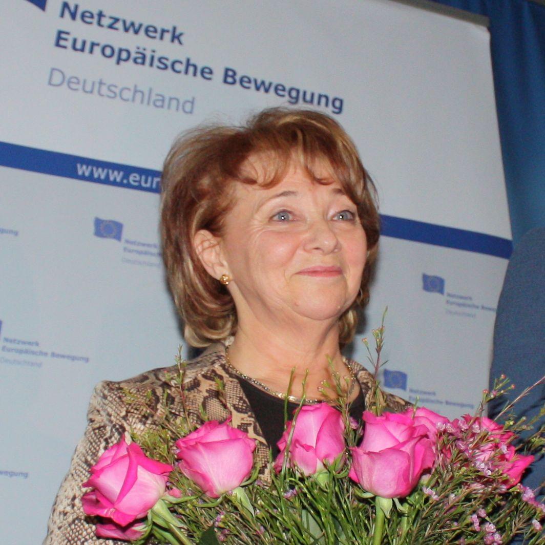 """""""Man darf nie müde werden, Mensch zu sein"""" – Irina Gruschewaja als """"Frau Europas 2011"""" geehrt"""