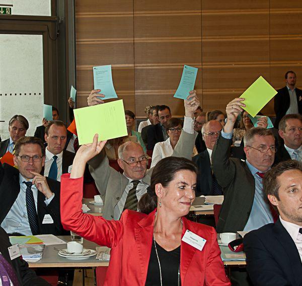 Die Weichen für die Wahlen sind gestellt: EBD verabschiedet erstmals politischen Forderungskatalog