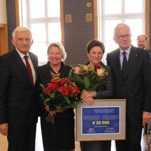 Deutsch-Polnische Preisträger Pöttering und Buzek unterstützten College of Europe Natolin
