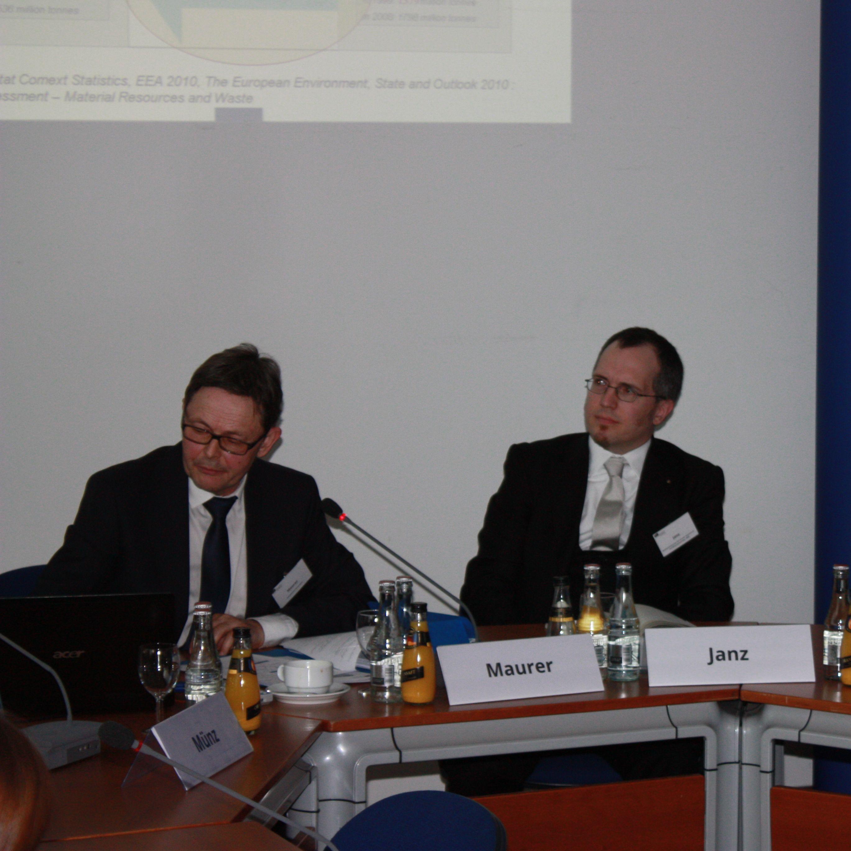 Kunststoffabfälle: Gefahren bannen, Chancen nutzen. Die EBD-Grünbuchanalyse zu einer europäischen Strategie