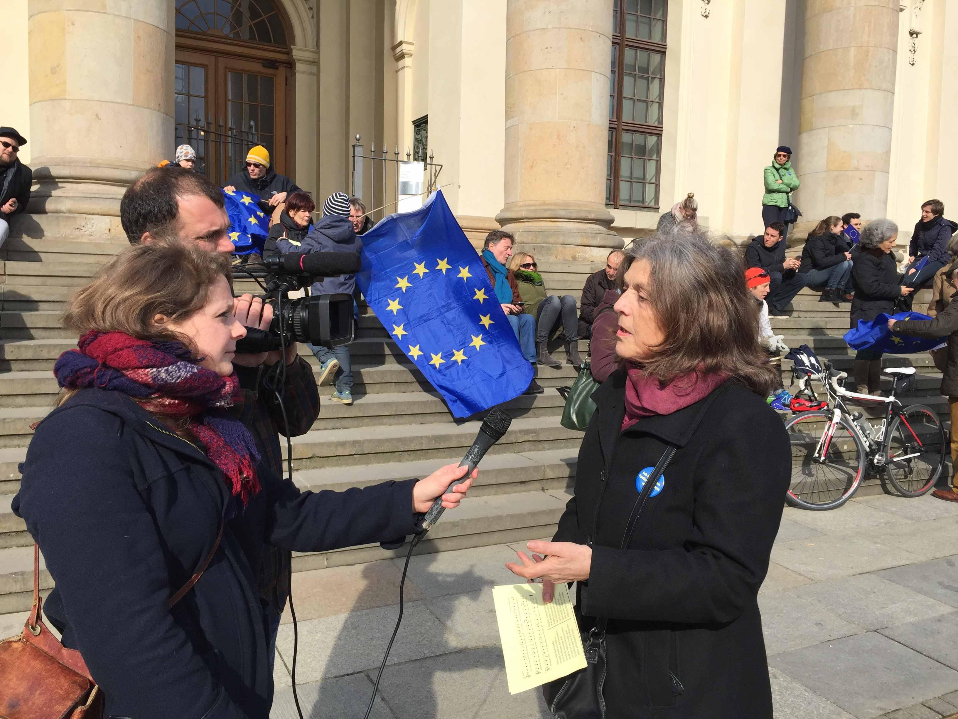 Gute Worte, gute Taten für Europa: Gudrun Schmidt-Kärner im France2-Interview
