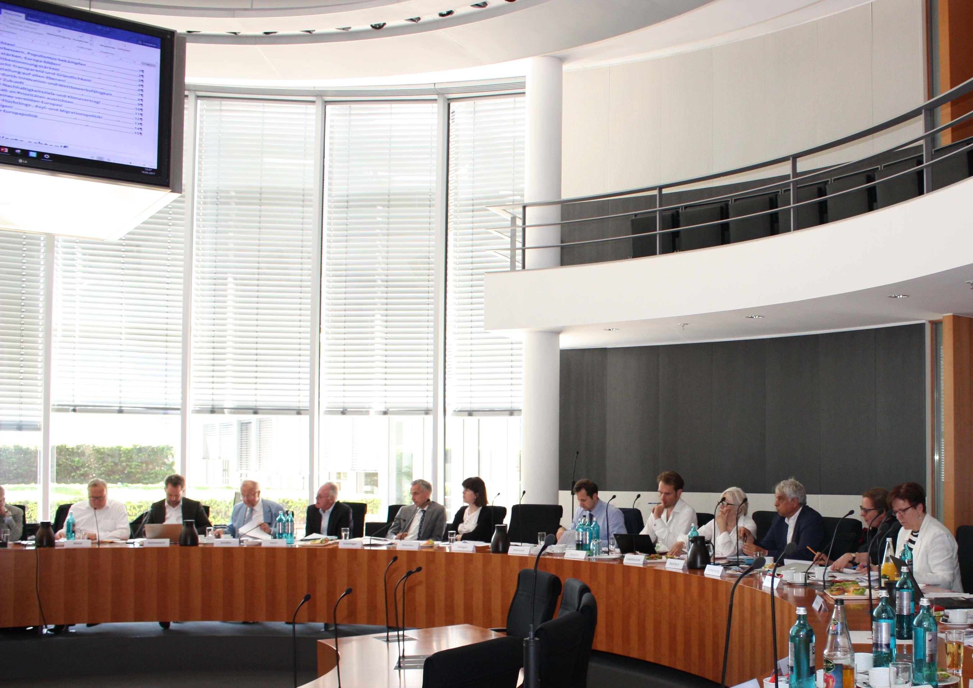 Mehr EU-Budget wagen: EBD-Vorstand beschließt Leitantrag zur EBD-Politik 2017/18